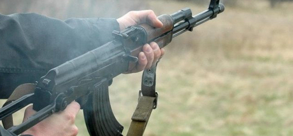 На учениях в Витебске солдат-десантник в темноте выстрелил холостым патроном сослуживцу в глаз