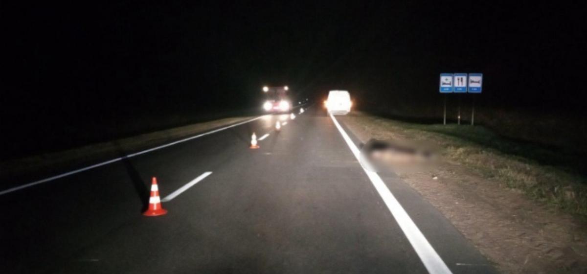 Под Ивацевичами пассажир выпал на дорогу из грузового отсека автомобиля и погиб