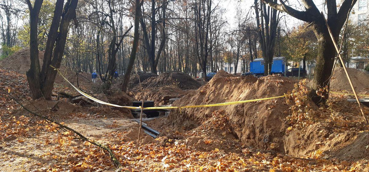 «Все разрыли, испортили асфальт». Что за раскопки ведутся в Южном микрорайоне и когда они закончатся?