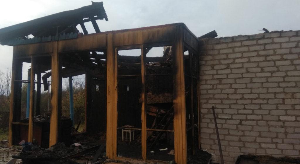 В Глубокском районе 22-летний парень сжег из мести дом соседа