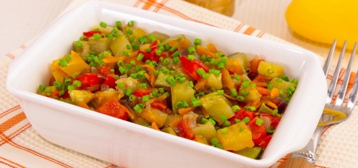 Вкусно и просто. Рагу из кабачков с помидорами и перцем