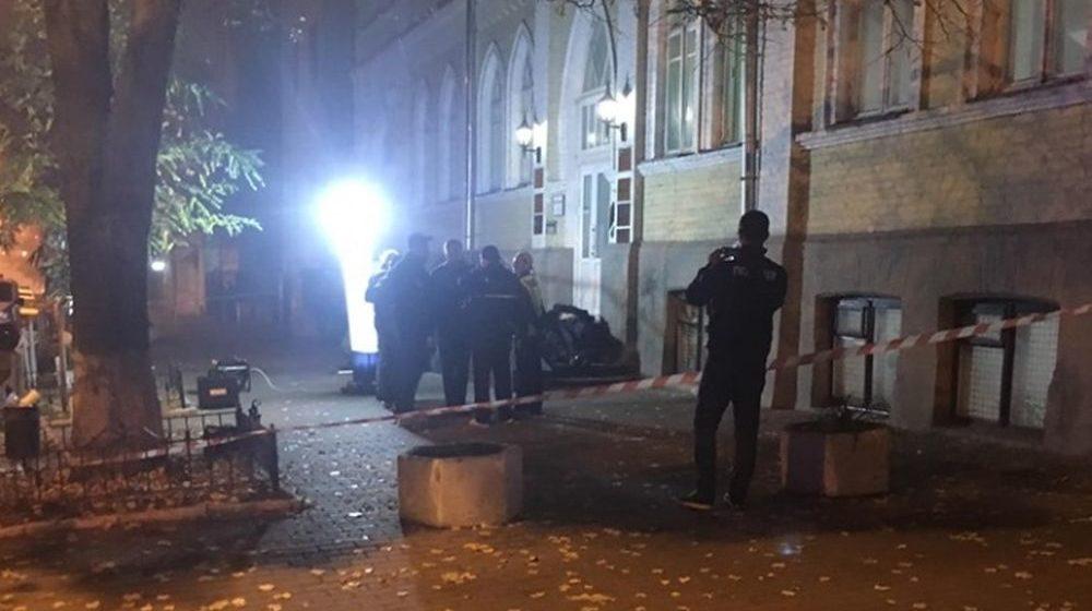 В центре Киева у мужчины в руке взорвалась граната, есть погибшие