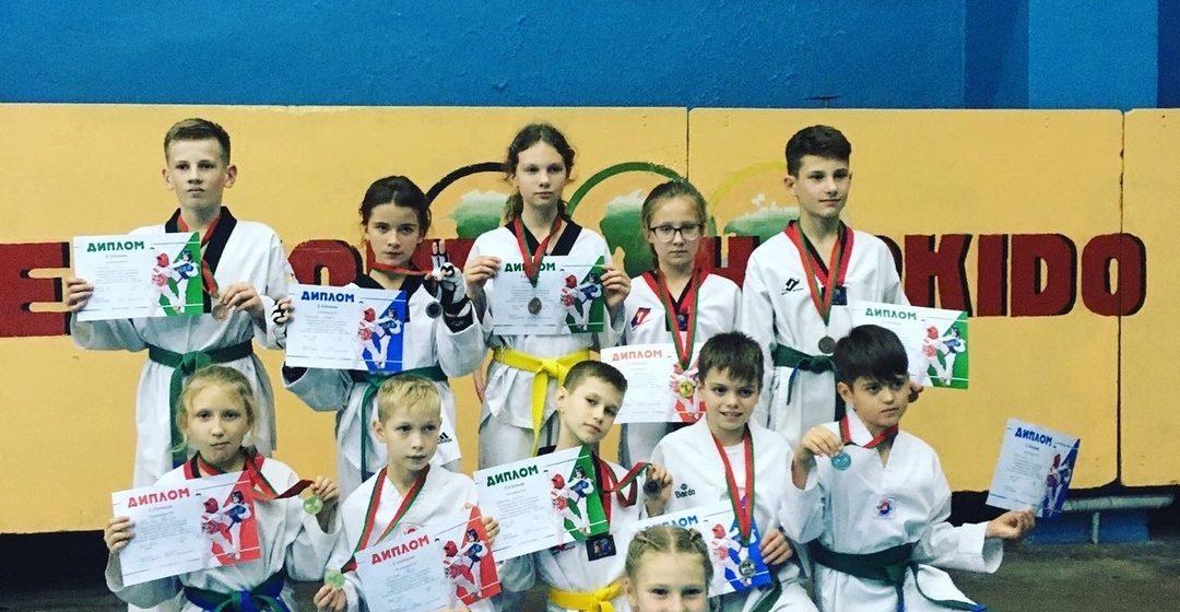 Барановичские школьники завоевали награды двух турниров по таэквондо