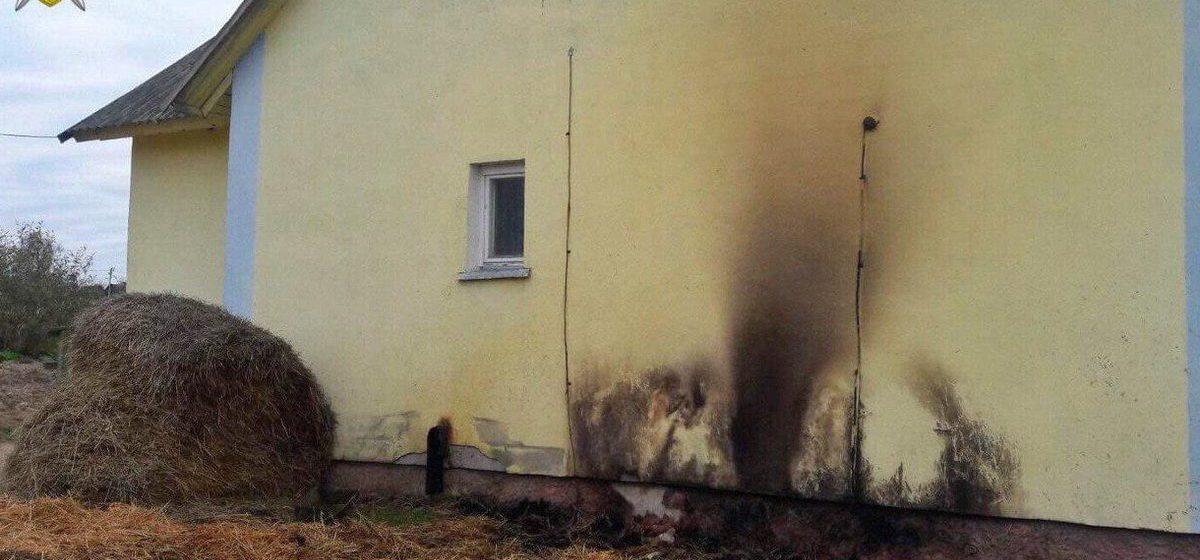 Два брата подожгли сено возле дома в Дрибинском районе — четырехлетний мальчик погиб