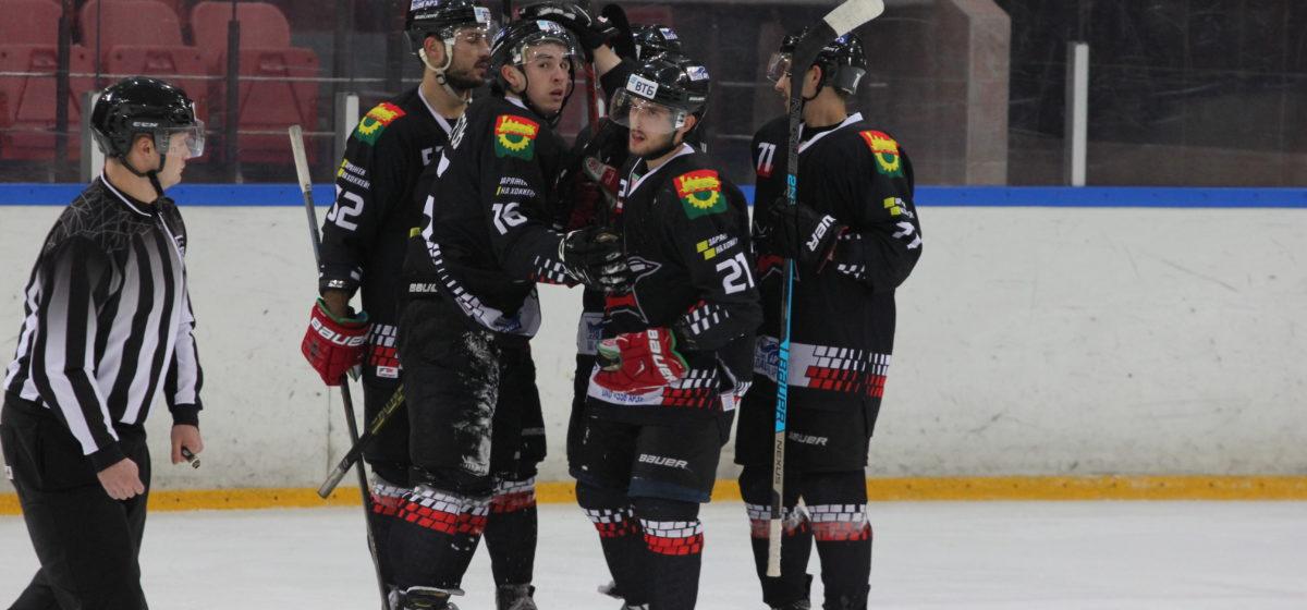 Как сыграл хоккейный «Авиатор» дома против «Витебска»