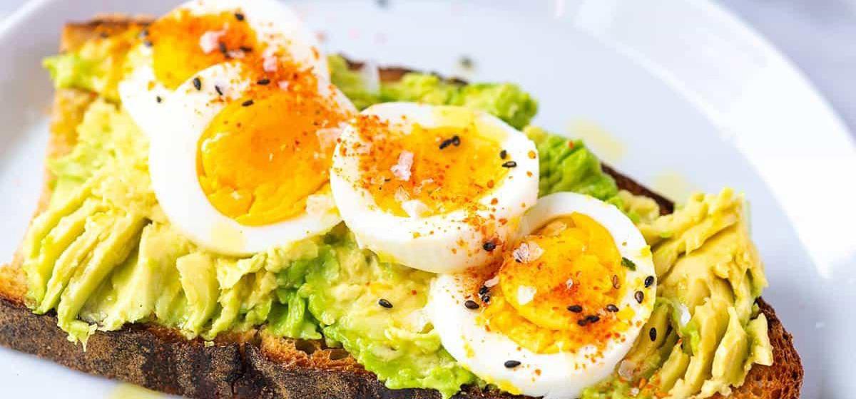 Вкусно и просто. Бутерброды с авокадо и яйцом