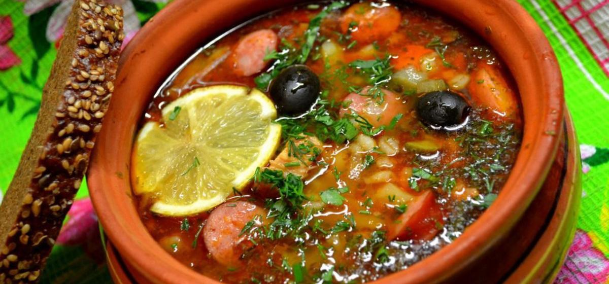 Вкусно и просто. Солянка с колбасой и оливками