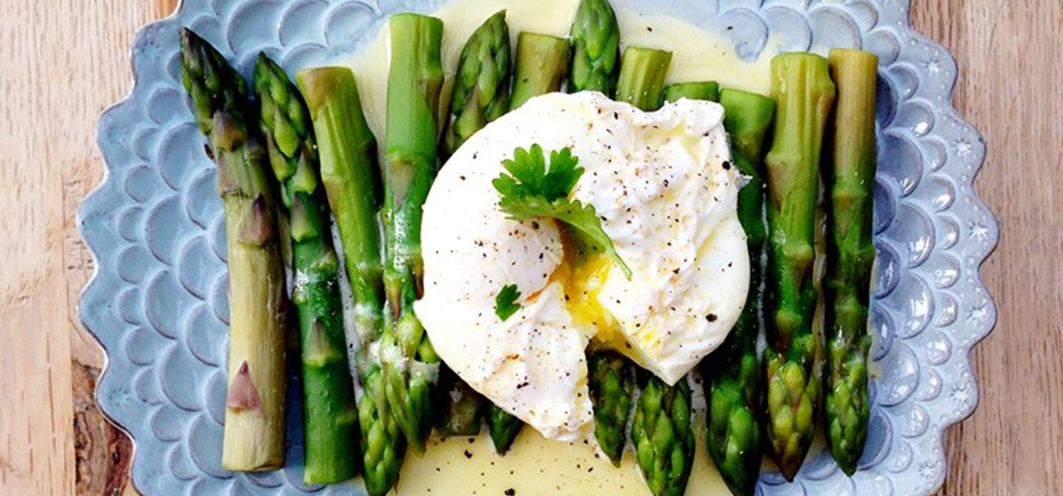 Вкусно и просто. Спаржа с яйцами-пашот