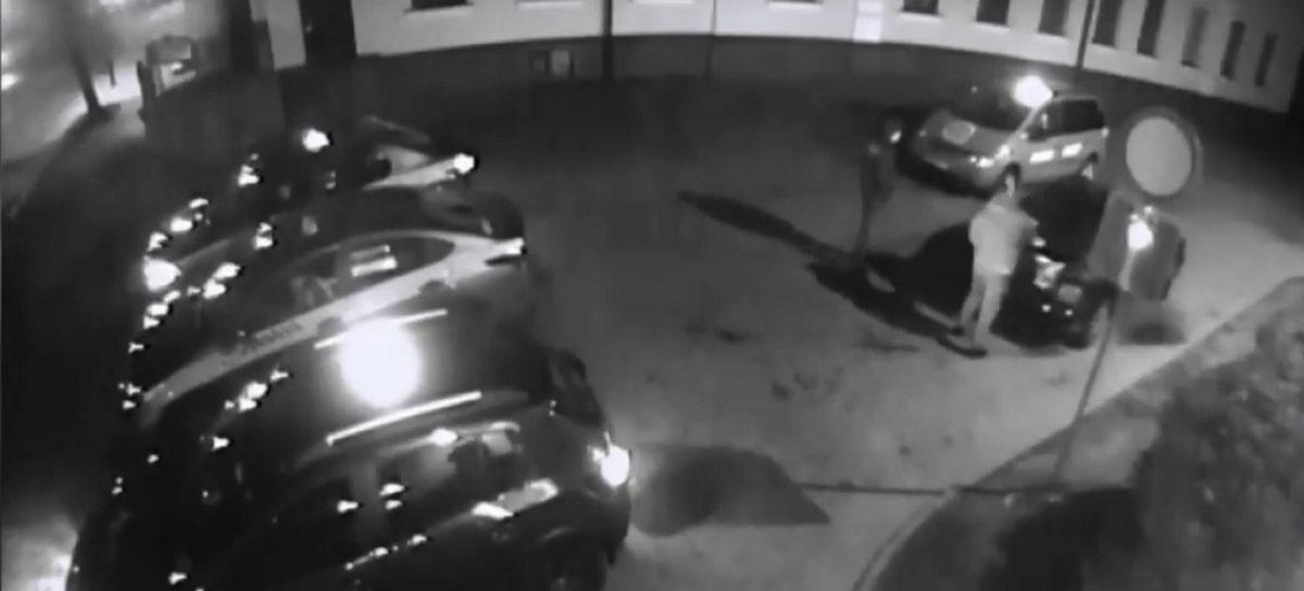 В Гродно мужчину избили возле клуба и в багажнике вывезли за город. Видео