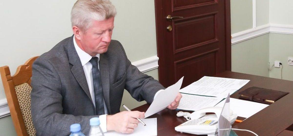 Алименты и религиозная община — помощник президента взял на личный контроль ситуацию в многодетной семье из Барановичей
