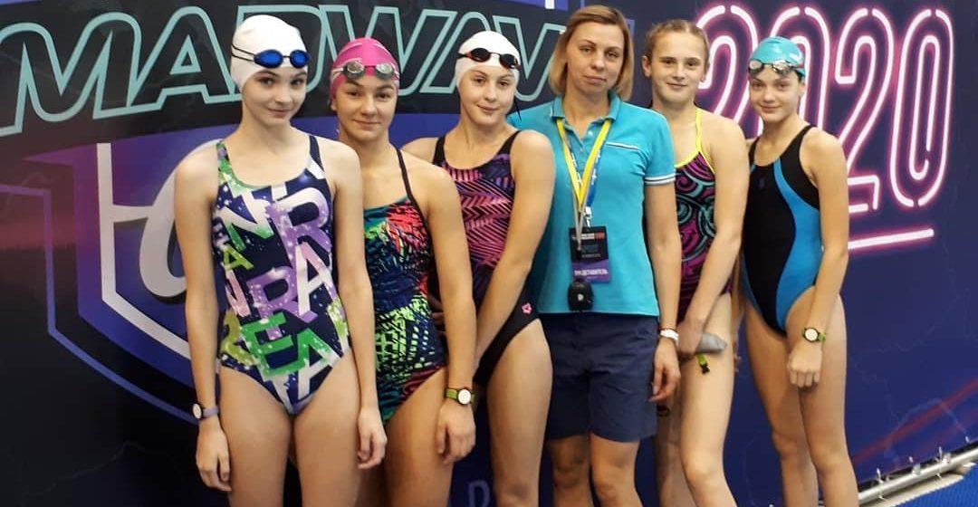 Барановичские школьницы выиграли медали международного турнира по плаванию