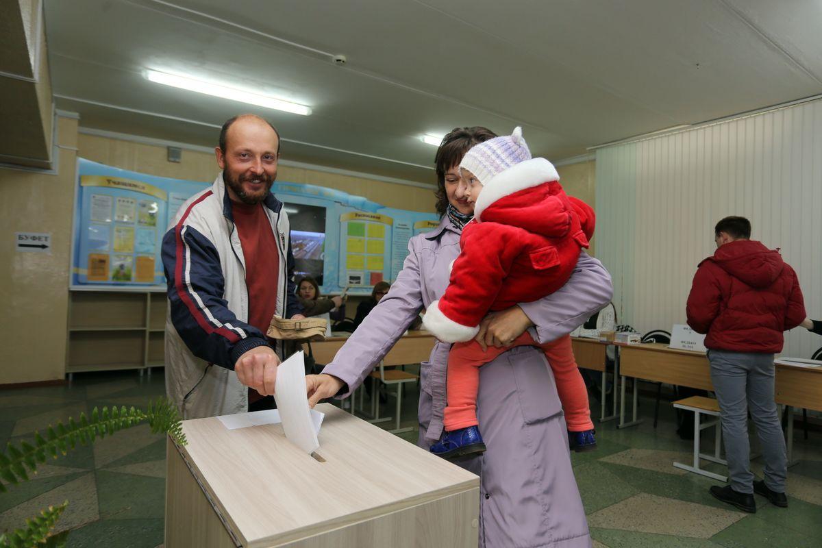 Участок для голосования №21 в гимназии №4 г. Барановичи. Фото: Александр ЧЕРНЫЙ