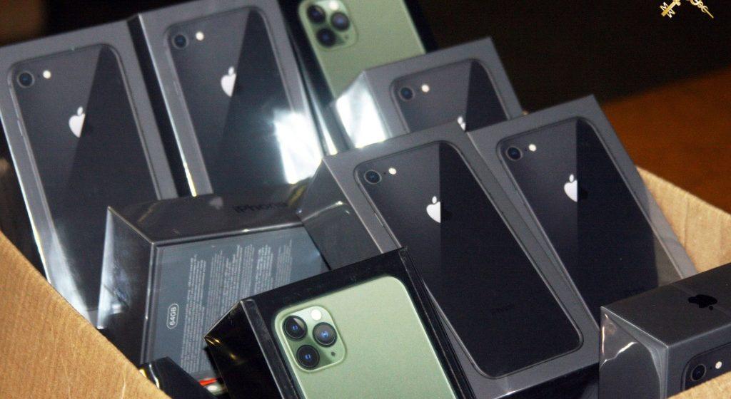Более 230 кг сыра и 58 телефонов Apple Iphone пытался ввезти из Польши житель Бреста