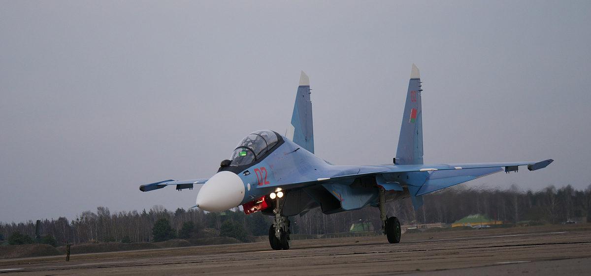 Россия предложила разместить в Беларуси базу ВВС в обмен на помощь в покупке истребителей Су-30 СМ