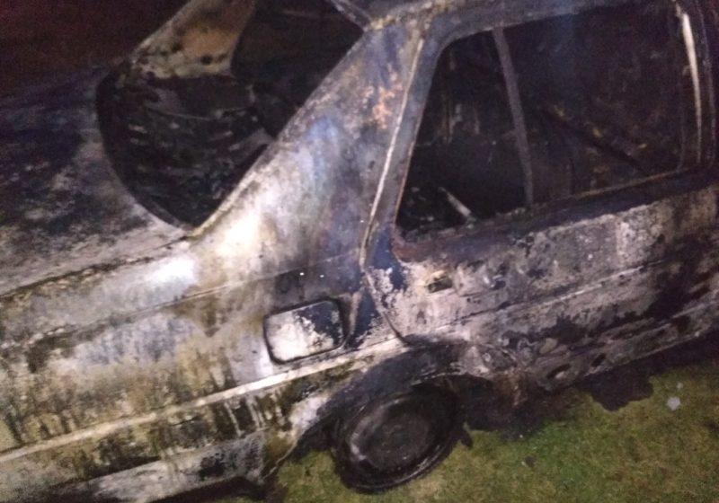 Гараж с автомобилем горел в Барановичском районе. Фото