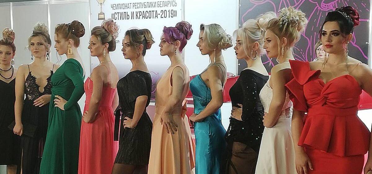Учащиеся Барановичского колледжа сферы обслуживания вернулись с дипломами фестиваля красоты