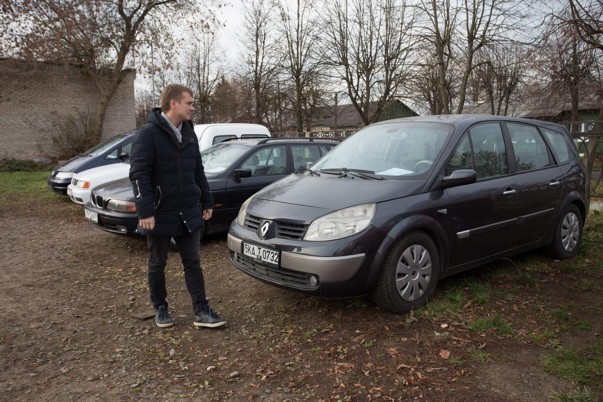Специалисты отмечают снижение спроса на подержанные машины в Барановичах.   Фото: Александр ЧЕРНЫЙ