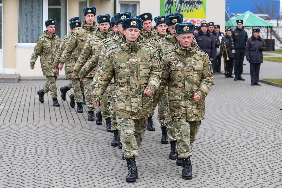 Военнослужащие, отслужившие установленный срок. Фото: Александр ЧЕРНЫЙ