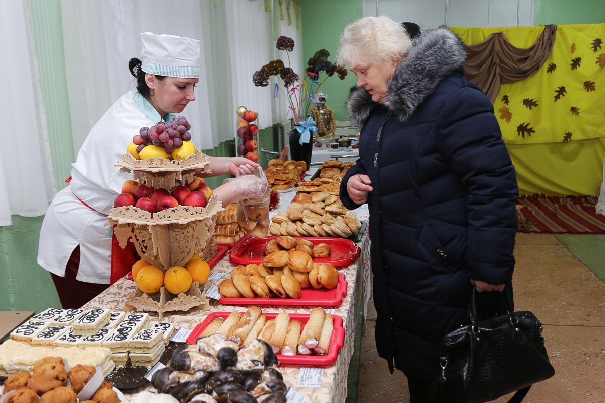 Буфет СШ №9. Фото: Александр ЧЕРНЫЙ