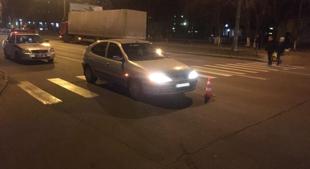 Легковушка на пешеходном переходе в Гомеле сбила маму с 7-летней дочерью