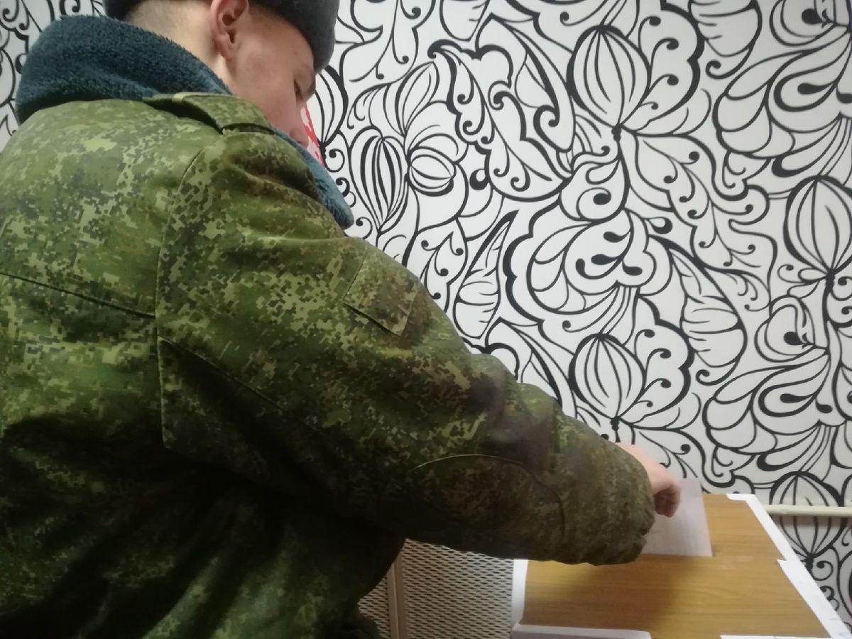 солдат голосует, Барановичи