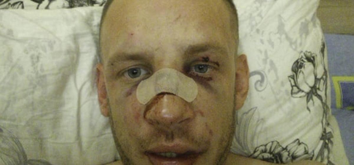 «Подстаканник в машине был полон крови». За что строители избили работодателя молотком?