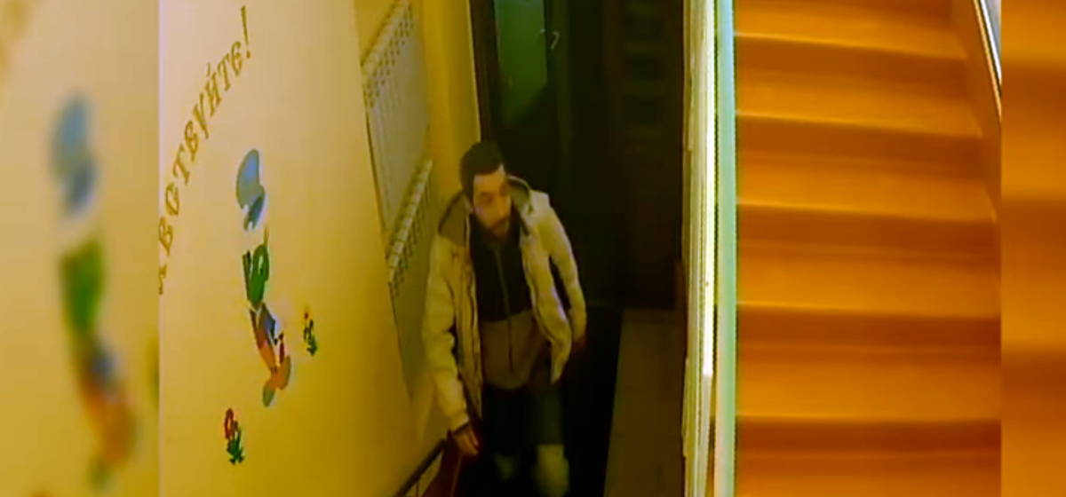 Опубликована видеозапись нападения на детсад в России, когда пьяный мужчина зарезал шестилетнего мальчика