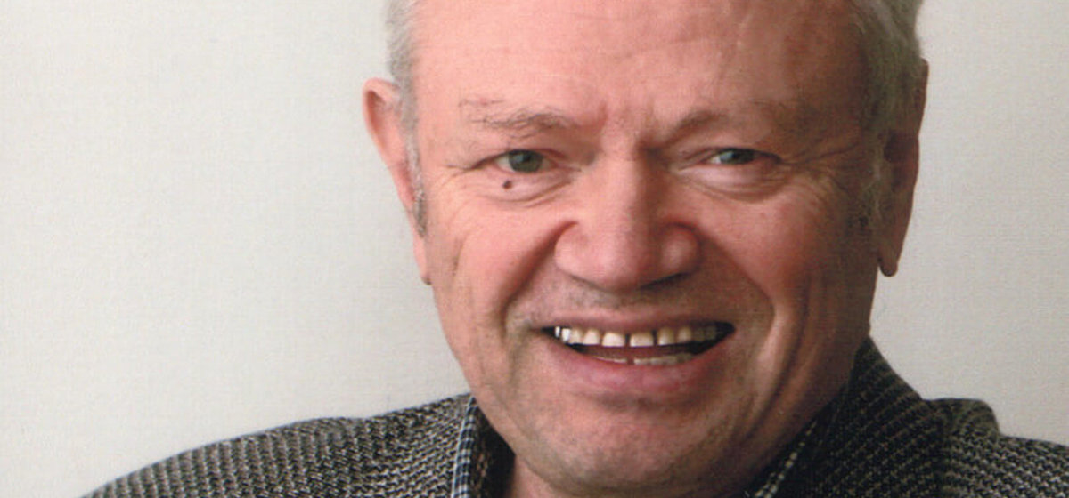 Умер писатель и драматург Анатолий Делендик
