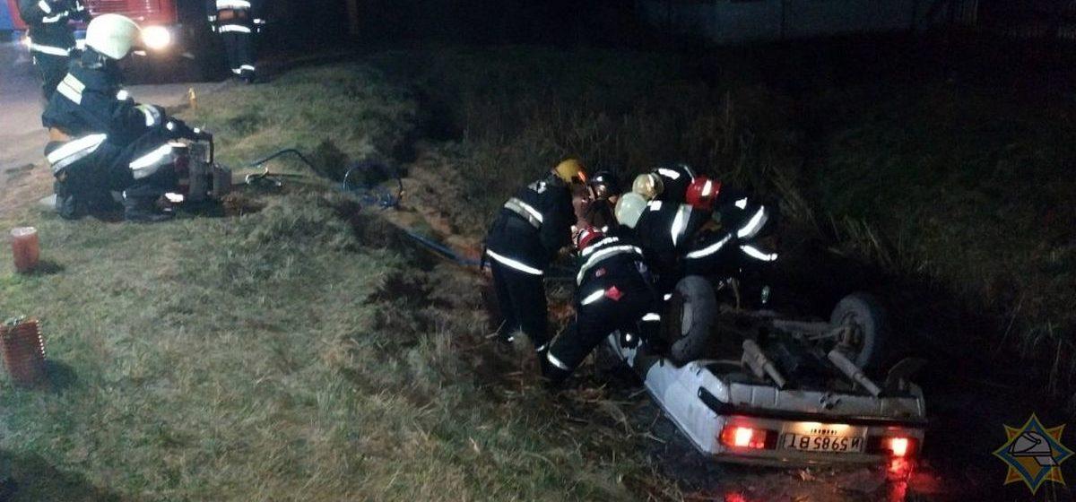 В Полоцке «Запорожец» вылетел в кювет и перевернулся – трое пострадавших