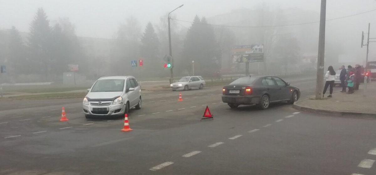 Две легковушки столкнулись в Барановичах. Фотофакт