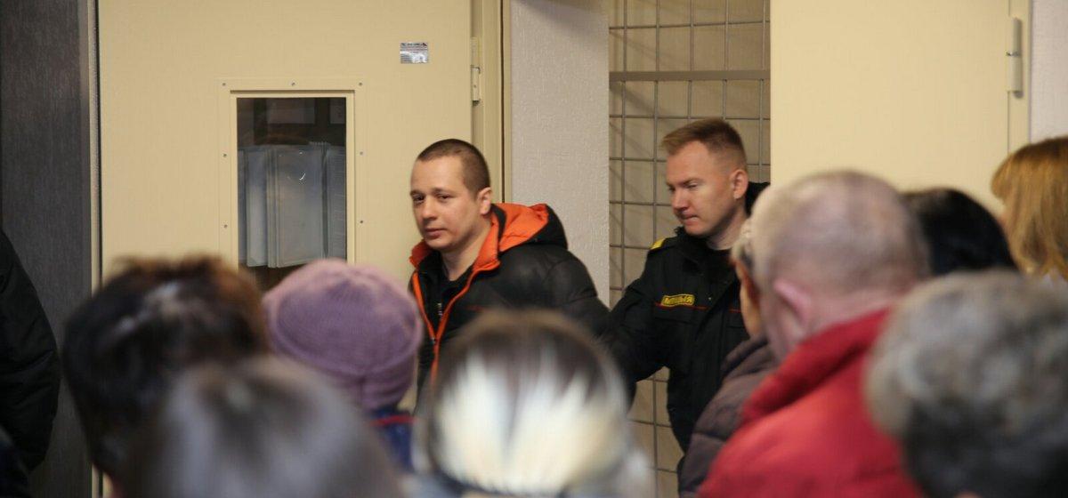 Новости. Главное за 25 ноября: вынесен приговор по делу о краже оружия из воинской части, ГАИ начнет очередную акцию, и в РФ неизвестные напали на отделение посольства Беларуси