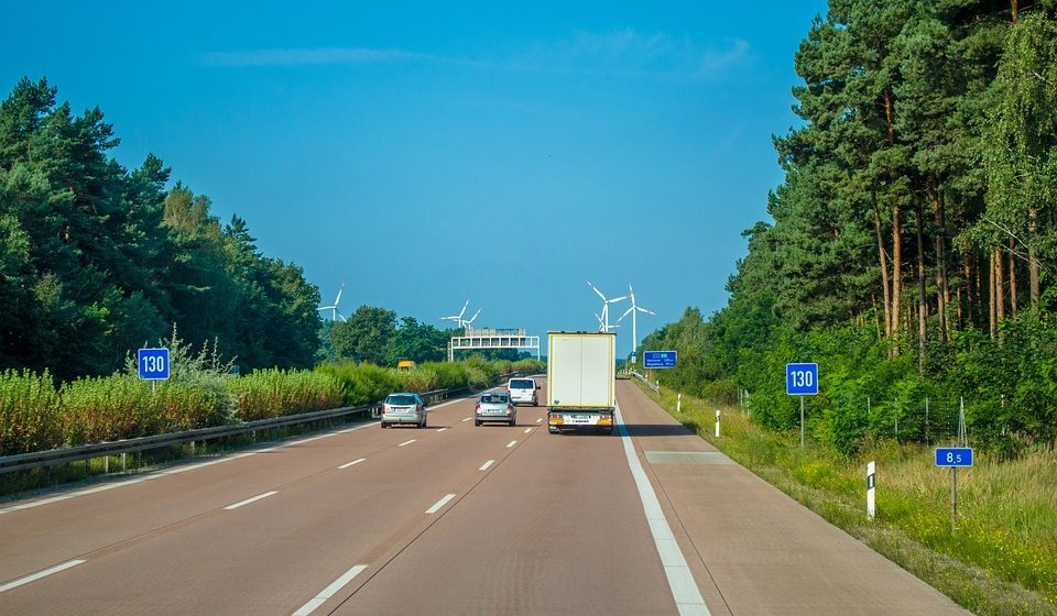 С 1 декабря  в Беларуси станет больше платных дорог