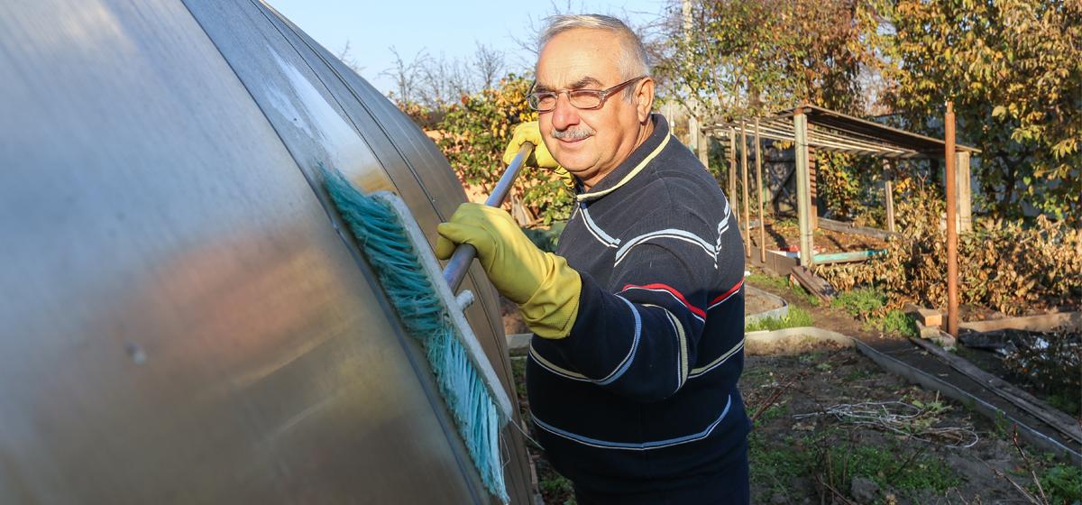 Как подготовить теплицу к зиме: чем ее обработать и что делать с почвой. Видео