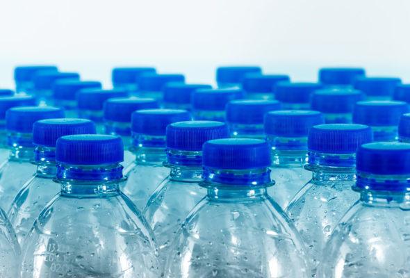 В Беларуси хотят поднять плату за сбор пластиковой упаковки. Кому придется раскошелиться