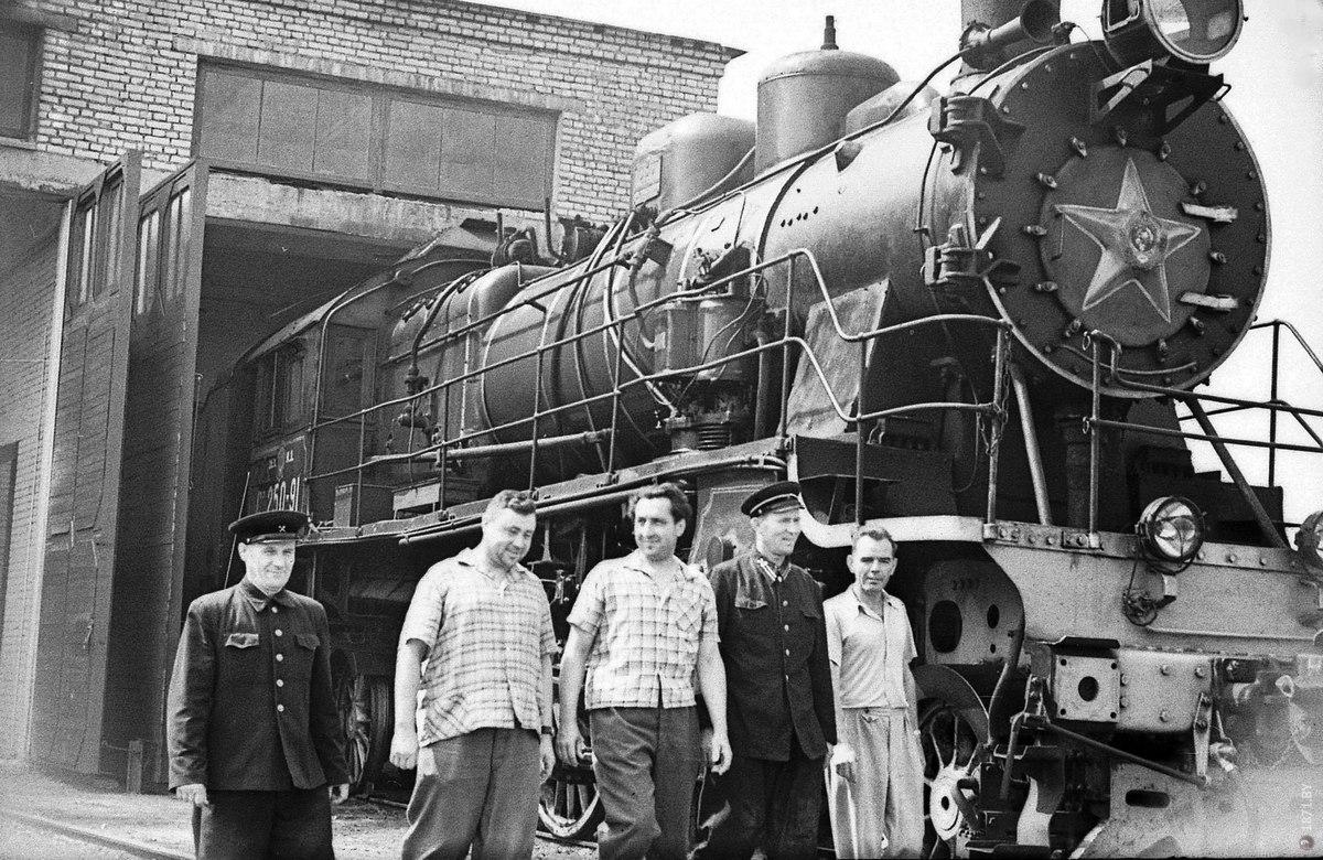 Работники депо Барановичи, 1964 год. Фото: архив Intex-press
