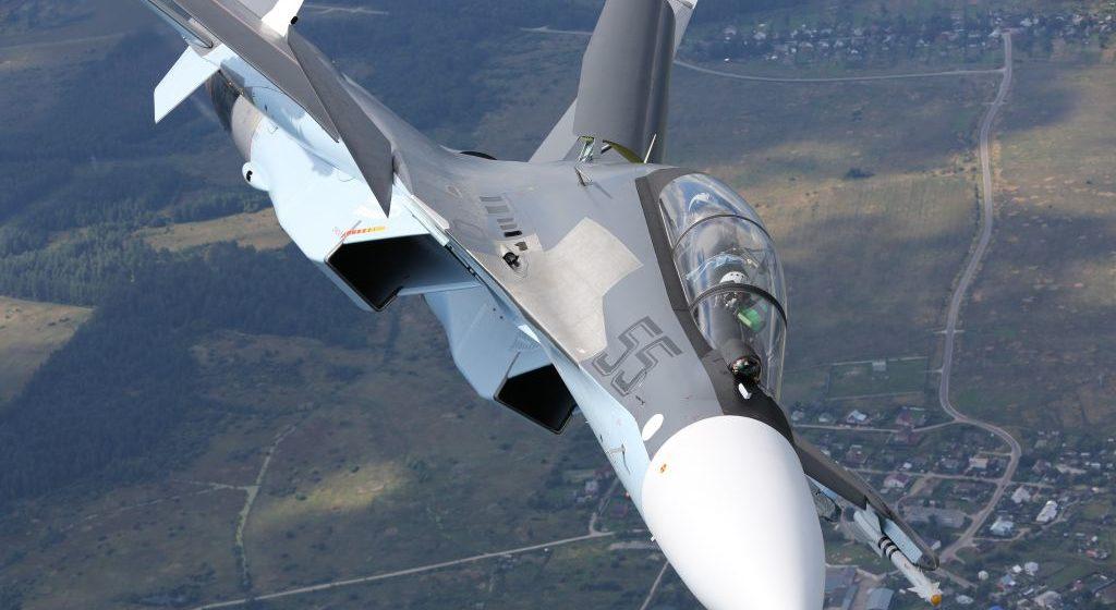 Новости. Главное за 12 ноября: в ДТП погибла 18-летняя девушка, на барановичский аэродром прибудут два Су-30СМ, и врачи, уехавшие за границу, рассказали, сколько получают
