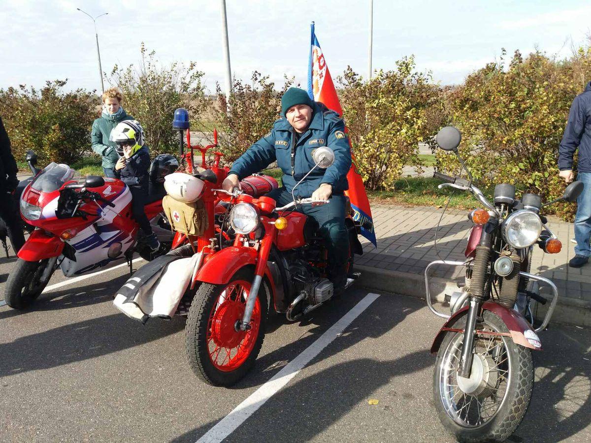 Сергей Строчук на отреставрированном мотоцикле. Фото: личный архив Сергея СТРОЧУКА