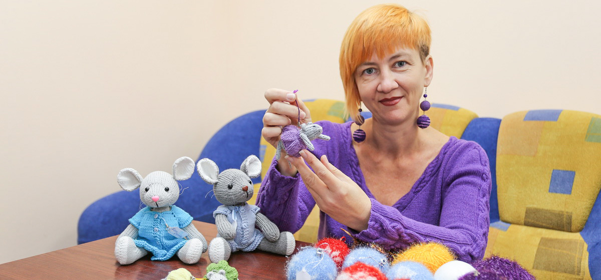 Мое дело. Как учительница английского занялась вязанием игрушек. «Я даже по улице хожу и вяжу»