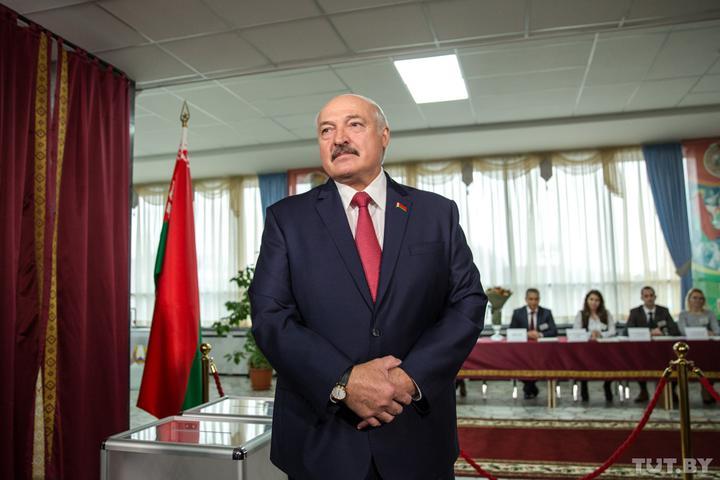 Лукашенко об инцидентах в избиркомах в регионах: «Отвернем головы и повыворачиваем руки»