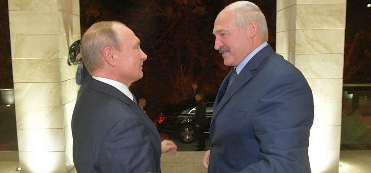 Переговоры завершились без подписания документов. Путин проводил Лукашенко до крыльца, и тот уехал без заявлений для прессы