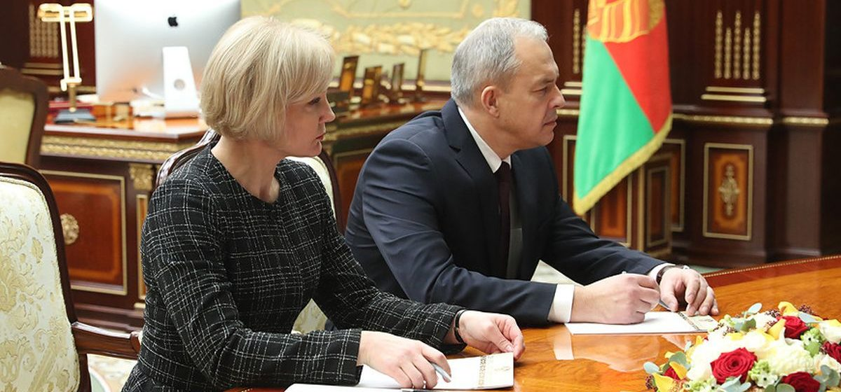 Три версии, почему Лукашенко заменил Кочанову на генерала КГБ