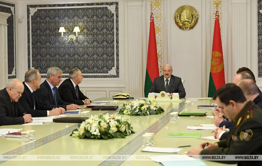 «Письма счастья» от ГАИ хоть однажды получал каждый, кто сидел за рулем автомобиля», — сказал Лукашенко, говоря об административной ответственности