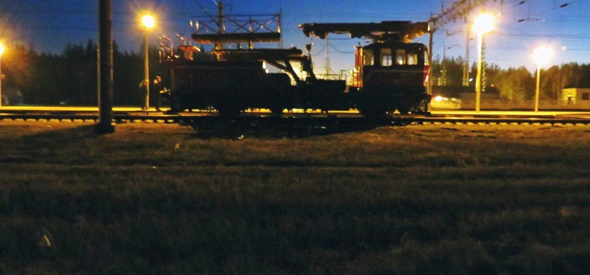 Под Бобруйском 25-летнего электромонтера на железной дороге убило током