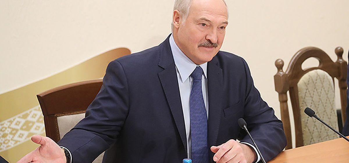 Лукашенко: я сторонник страховой медицины, но сразу нельзя: надо, чтобы люди были к этому готовы