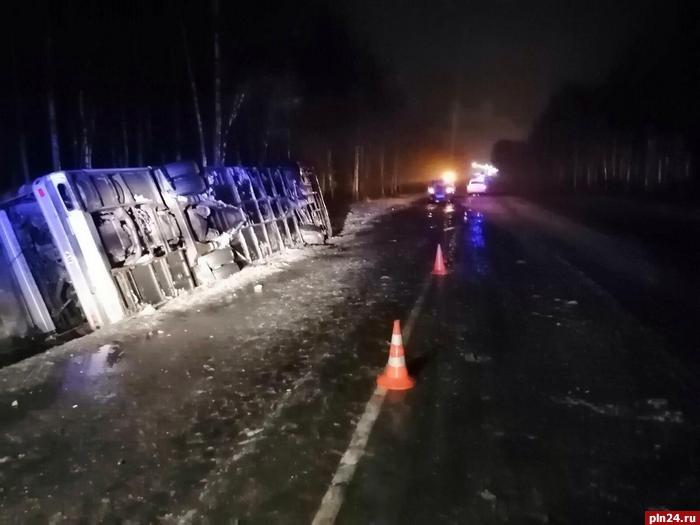 19 белорусов, включая троих детей, пострадали в аварии с автобусом под Псковом