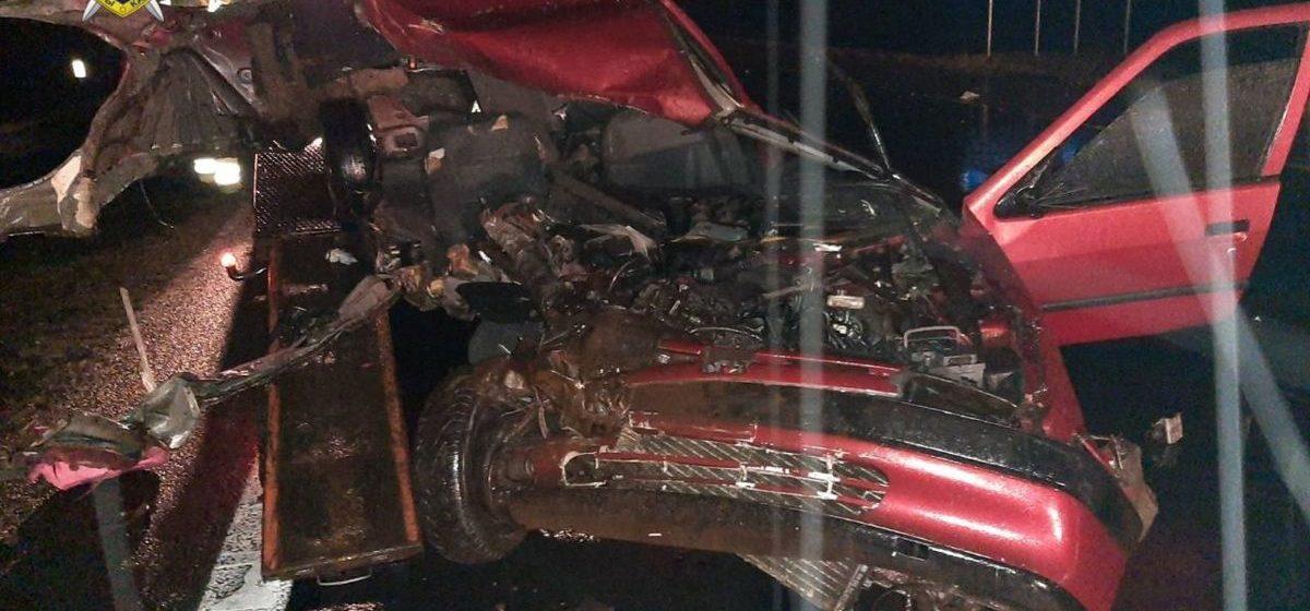 Смертельная авария на М1 — легковушка влетела в фуру, которая стояла на аварийке