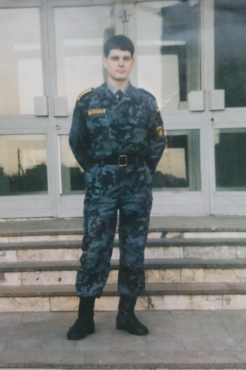 Андрей Жук в годы службы в белорусской милиции. Фото: архив семьи ЖУК
