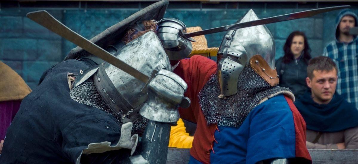 «Нам нравится бить людей железными предметами». Барановичские и ляховичские рыцари организуют республиканскую серию турниров по средневековому бою