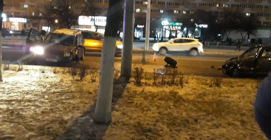 Серьезная авария в Гомеле: у легковушки после столкновения оторвало колесо. Фото