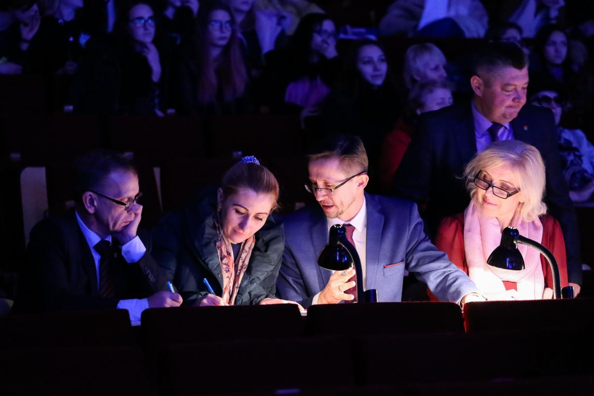 Жюри на отборочном этапе Национального конкурса красоты в Барановичах. Фото: Александр ЧЕРНЫЙ